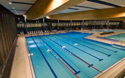 Sportunterricht für die Schwimmergruppe